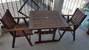 Outdoor wood furniture set (table and 4 chairs)