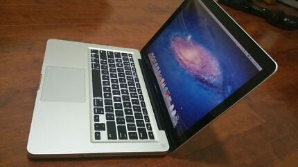 Macbook pro i5 4GB 2011 Excellent condition  Dianella Stirling Area Preview