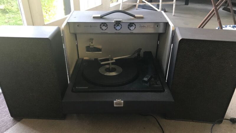 Vintage General Electric Trimline Solid State Stereo 400