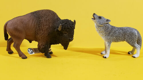 Schleich Howling WOLF BUFFALO BISON Animal Figure