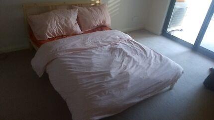 Bed + mattress + bed linen