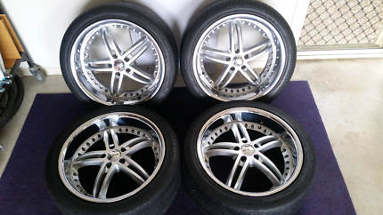 Set of 4 20 x 10  114.3 stud pattern  alloy wheels and tires