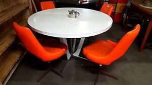 Round retro table dining kitchen original vintage sixties Geelong Geelong City Preview