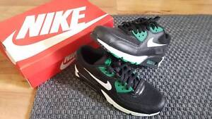 6ab8e0934eb Nike Air Max 90 Essential Black Lucid Green