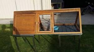 rabbit or guinea pig hutch Paralowie Salisbury Area Preview