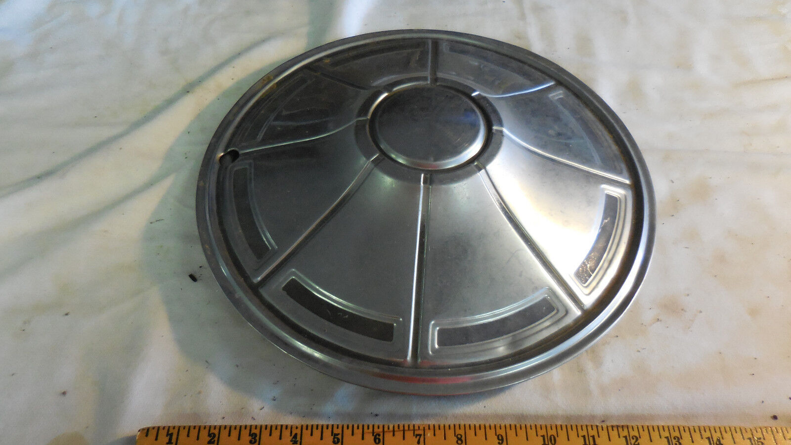 "14 "" INCH WHEEL COVER  VINTAGE HUBCAP--FITS ?"