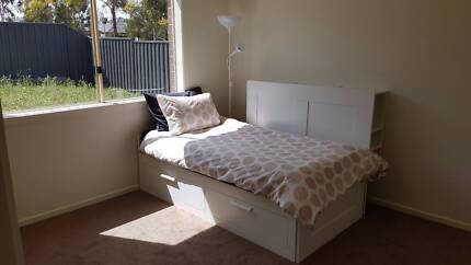 2 Private Rooms & 1 Private Bath, 1km from Wyndham vale Station