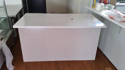 Bench - Reception Desk - Counter