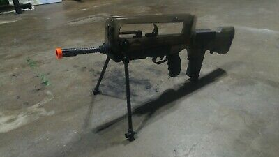 FAMAS (CyberGun) Airsoft Rifle 6mm BBs 466 FPS in perfect condition!