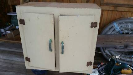 Old bathroom vanities cabinet