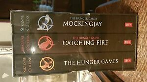 The Hunger game books brand new $10