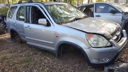2004 Honda CRV, CRV 4x4 SILVER FOR WRECKING