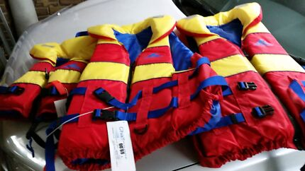 3 x life jackets Willaston Gawler Area Preview