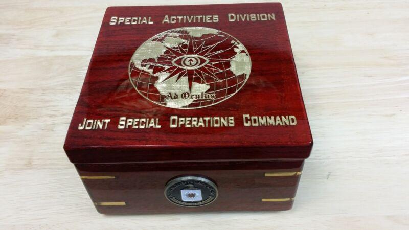 """CIA SAD JSOC Ad Oculos Globe Special Ops Rosewood Gold Flip Clock Box 6""""X6""""X4"""""""
