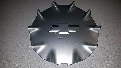 2003-06 CHEVROLET SSR OEM REAR WHEEL CENTER CAP SATIN VT-111264 USED NO WIRE #1