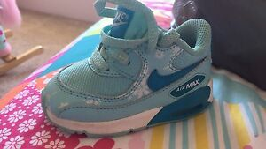 Infant Nike air max The Vines Swan Area Preview