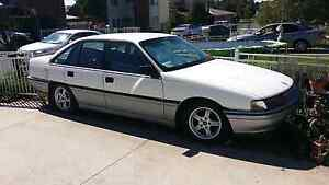 Wrecking or complete 1989 VN Calais . V6 auto Mount Warrigal Shellharbour Area Preview