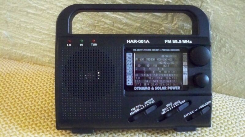 Powered by 3 AA Batteries, Solar or dynamo hand crank. FM, AM, SW, VHF