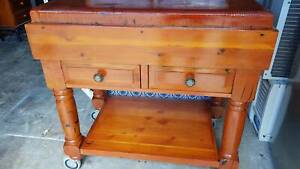 NEAR NEW - KITCHEN ISLAND BENCH WITH DRAWERS - VERY HEAVY /ON WHEELS
