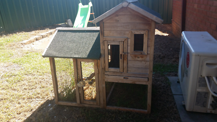 Big 2 story rabbit hutch With water bottle