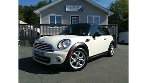 2012 MINI Cooper Hardtop | LIKE NEW | LOW LOW KMS! |