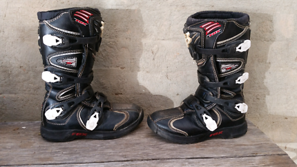 Motorcooss boots size 6