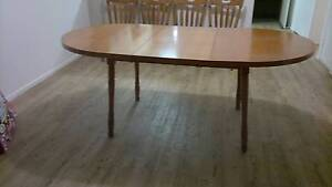 Dining Table. timber Veneer. Extendable Rothwell Redcliffe Area Preview