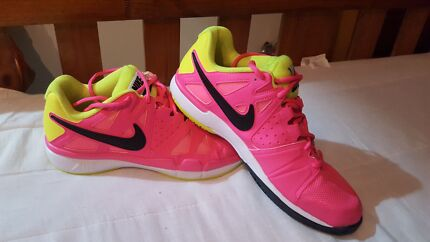 Pink nikes Barron Cairns City Preview