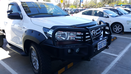 Toyota hilux bonnet protector