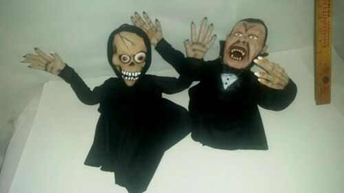 Hanging Poseable Halloween Skeleton and Vampire Prop Haunted House