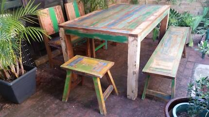 SHABBY CHIC UNDRRCOVER DINING SETTING