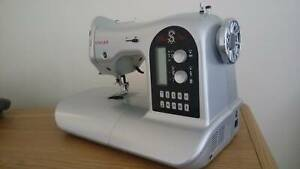 Sewing Machine Singer Special Edition (brand new)