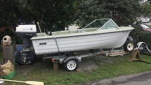 14' Fibreglass MFG Boat