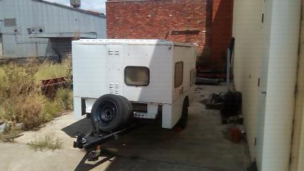 Work/camper trailer