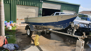 12ft savage with 25hp with trailer and rego