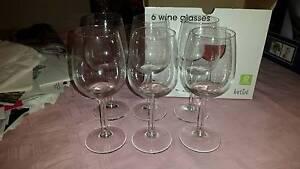6x Target wine glasses VGC in box Beeliar Cockburn Area Preview