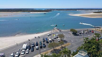 Beachfront 2 bed Apart. Avail Pre-Xmas, Early Jan & all Com Games