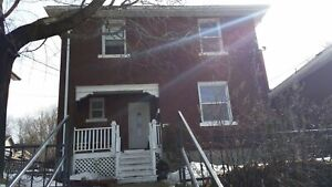 One Bedroom On College Great for Professionals! Avail Dec 1st