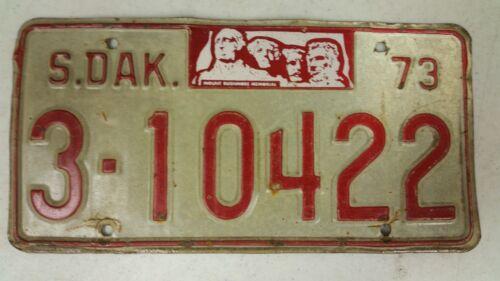 1973 SOUTH DAKOTA Rushmore Memorial Brown County License Plate 3-10422