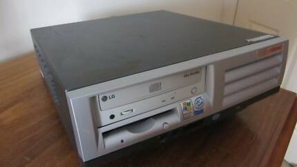 Compaq D51S/P18A Desktop Computer.