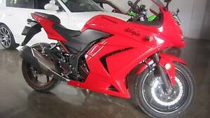 ***NINJA 250 VERY GOOD CONDITION*** Daisy Hill Logan Area Preview