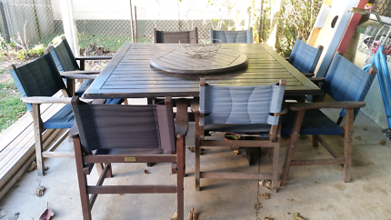 Outdoor Table And Chairs For Sale