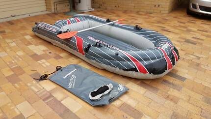 Inflatable 3 person boat with paddle 6 air chambers