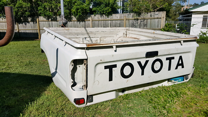 Toyota Hilux 4x4 Dual Cab Tub