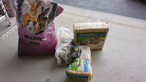 Rabbit Guinea pig food pellets grower premium box new hay pet's Wetherill Park Fairfield Area Preview