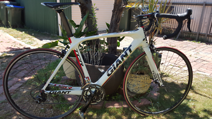 Giant TCR full carbon fiber road bike