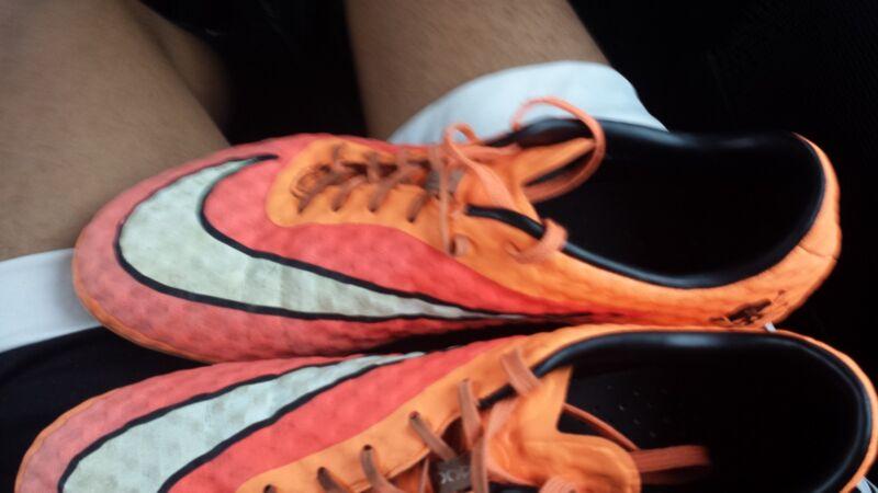 Nike hypervenom phantom hyper crimson/ orange size 9.5 soccer shoes