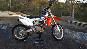 Honda CRF 450R 2014 model Maraylya The Hills District Preview