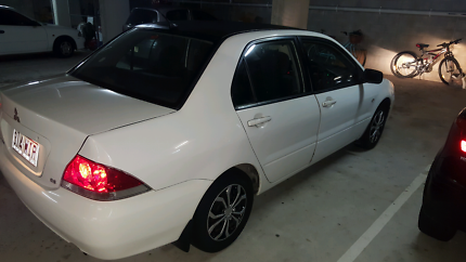 MUST SELL TODAY !!!!- Low Km's LANCER '05 ES / REGO+RWC ( $3500 )