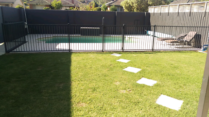 HIGH QUALITY BARGAIN Swimming pool fence PICK UP NOW